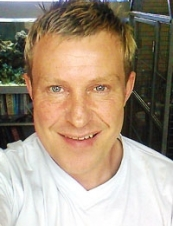 michael 45 y.o. from UK